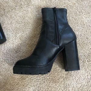 Steve Madden Legend boots